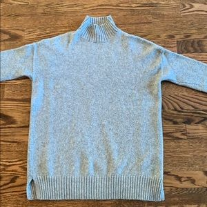 Gap gray Woolf sweater size XS